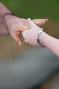holding-hands - maatjes